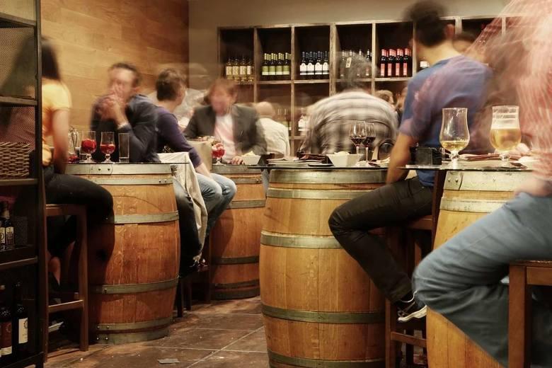 Baran lubi ostrą zabawę i imprezy z alkoholem w tle. Szczególnie mężczyźni spod tego znaku nie stronią od tego typu wrażeń.