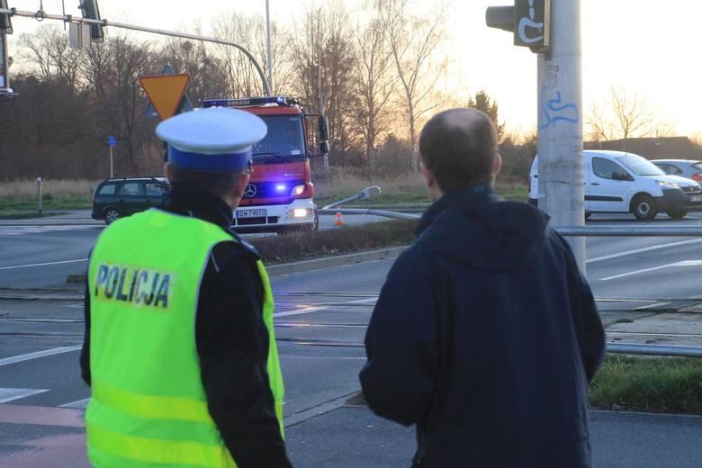 Tragedia na drodze w Lipnie. Zginął 63-letni kierowca peugeota