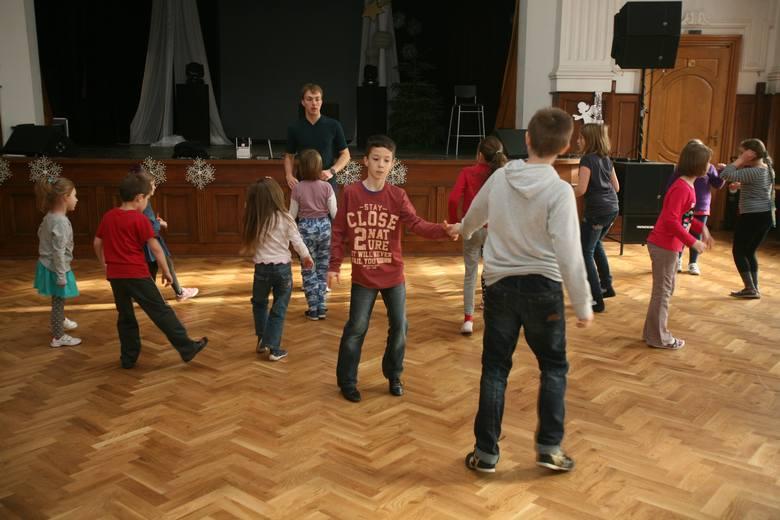 W SDK w Chorzowie dzieci uczą się tańczyć z profesjonalistami
