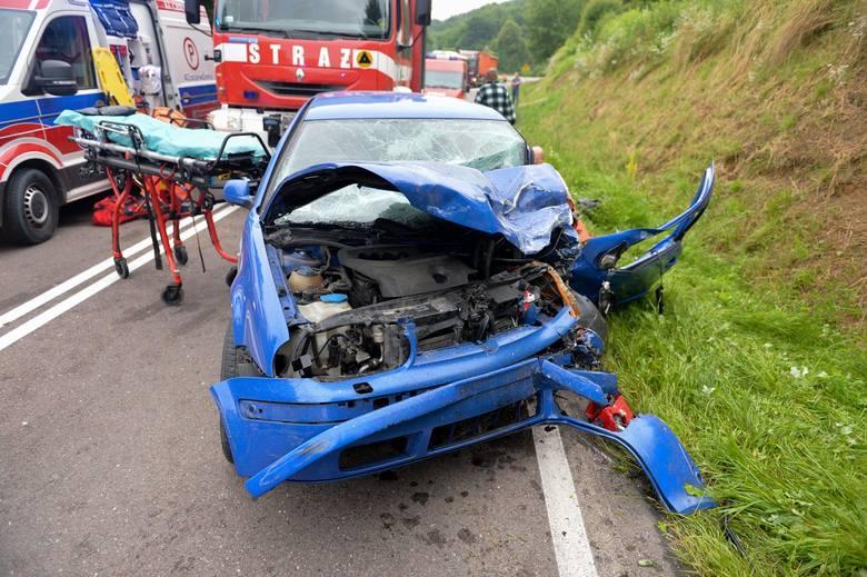 Wypadek przed Babicami koło Przemyśla. W zderzeniu citroena z golfem poważnie ranne zostały 3 osoby [ZDJĘCIA]