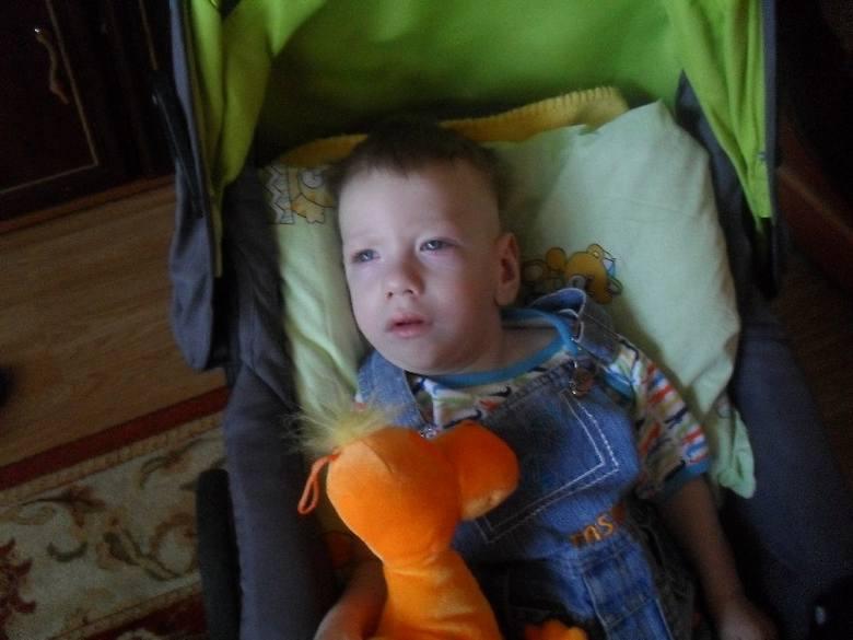 Tylko systematyczna rehabilitacja i pomoc lekarzy specjalistów, może pomóc Michałkowi.