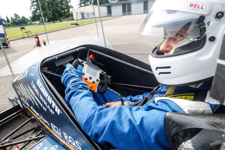 Studenci Politechniki Rzeszowskiej z koła Racing Team skonstruowali bolid i zabierają go na prestiżowe zawody Formuła Student. Pokażą się m.in. na Hungaroring