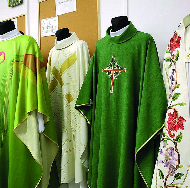 Tak w Piotrkowie Trybunalskim ubiera się papieża Franciszka