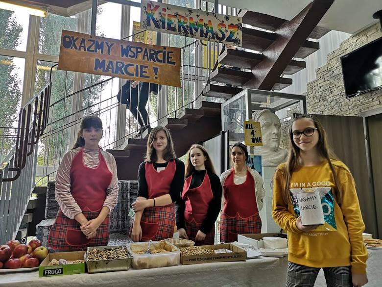 Uczniowie Technikum Weterynarii  przy Zespole Szkół Informatycznych w Słupsku zorganizowali charytatywny Kiermasz Wypieków, z którego cały dochód zostanie