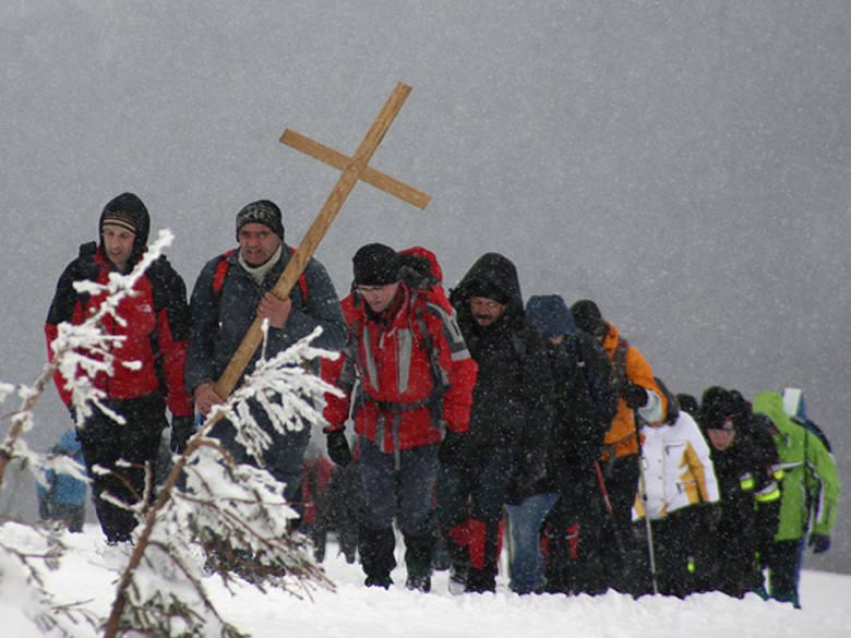 Droga krzyżowa na Tarnicę [ZDJĘCIA]