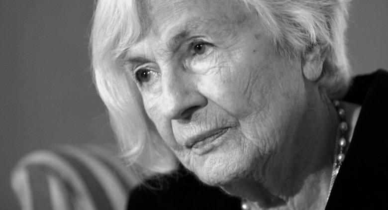 """Danuta Szaflarska zmarła w minioną niedzielę w wieku 102 lat. Mówiono o niej, że była """"gwiazdą dwóch stuleci"""""""