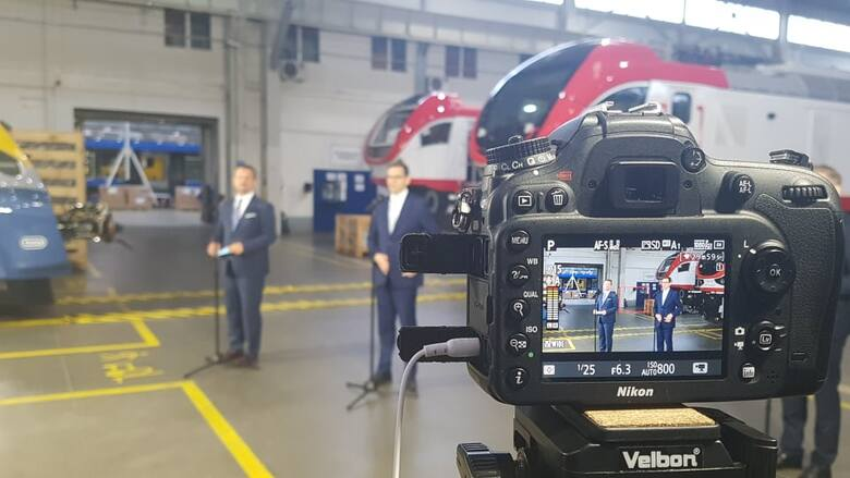Premier Mateusz Morawiecki z wizytą w woj. kujawsko-pomorskim. Odwiedził bydgoską Pesę [wideo, zdjęcia]
