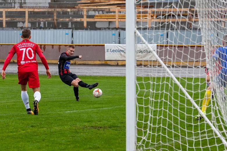 Bydgoscy piłkarze pokonali na własnym boisku Promień Kowalewo 7:0 (5:0) w kolejnym meczu klasy okręgowej (grupa I). Polonia jest w tym sezonie niepokonana