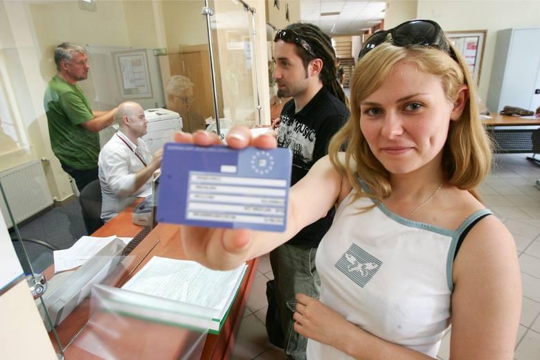 Kartę EKUZ można otrzymać bezpłatnie w każdym oddziale NFZ
