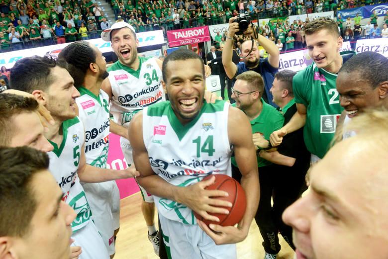 """Tego gracza z pewnością zapamiętali wszyscy kibice zielonogórskiej koszykówki. """"Czarodziej"""" basketu Quinton Hosley zdobył z Zastalem dwa tytuły mistrza"""