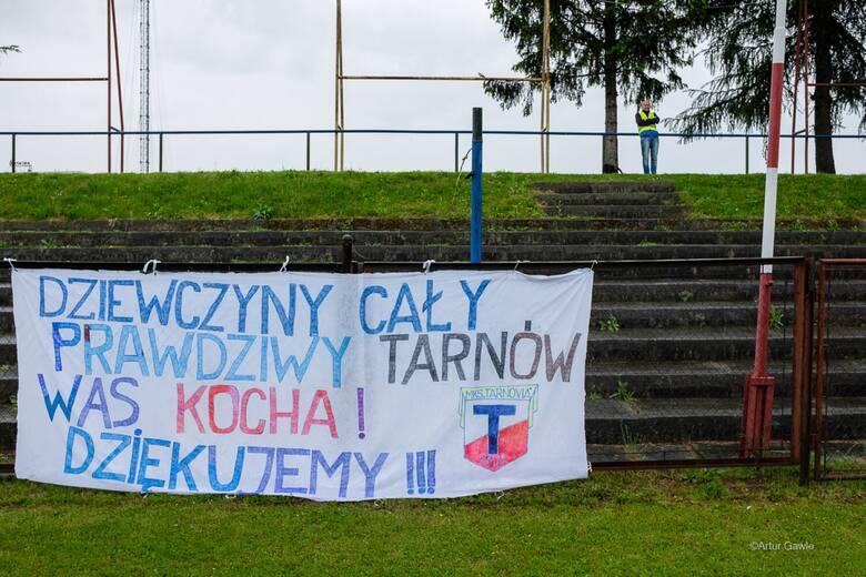 W ostatnim meczu I ligi na własnym boisku piłkarki Tarnovii pokonały Pogoń Dekpol Tczew 5:1