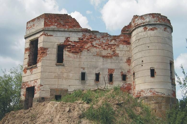 Była strażnica wojskowa leży na Szlaku Frontu Wschodniego I Wojny Światowej. Pasjonaci - regionaliści widzieliby tutaj siedzibę filii jakiegoś pobliskiego