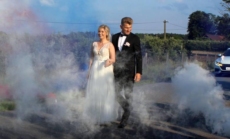 Paweł Młodziński najpopularniejszy sportowiec ziemi radomskiej w 2010 roku, wieloletni bramkarz Broni Radom, właśnie wziął ślub. Paweł Młodziński w środowisku