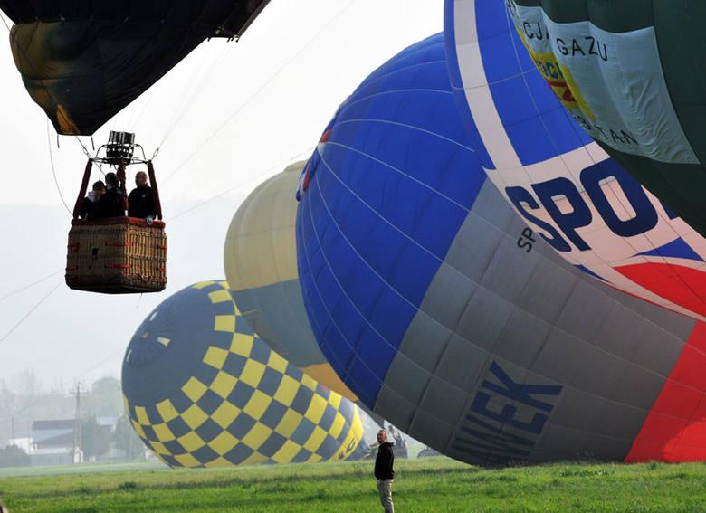 Trwają zawody balonowe w Krośnie