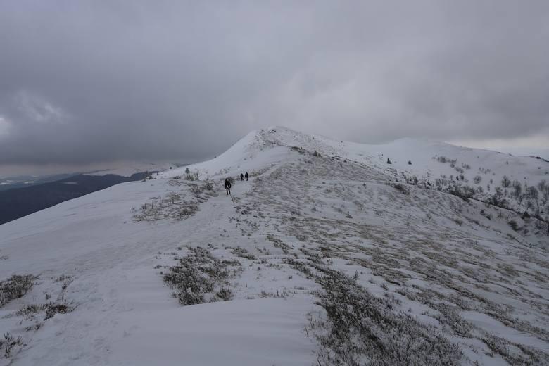 O ile w miastach mamy już wiosnę, tak w Bieszczadach jest wręcz odwrotnie i leży jeszcze sporo śniegu. Zobaczcie zdjęcia ze szlaku na Halicz - trzeci