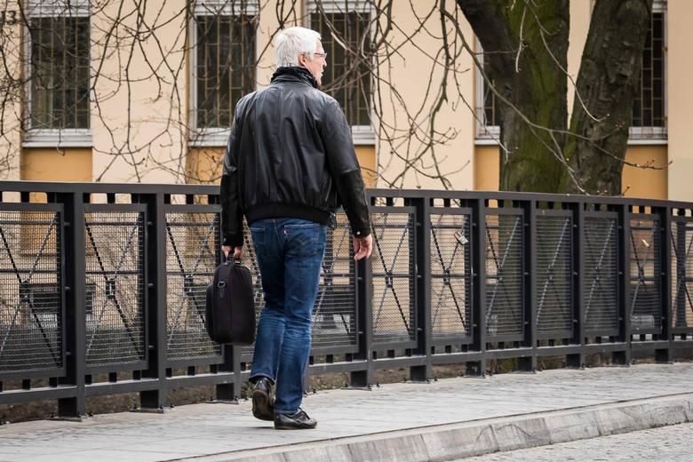 """W rozmowie z """"Wprost"""" Andrzej Duda przyznał, że wprowadzenie emerytur stażowych nie jest łatwym zadaniem. Chodzi między innymi o wydolność"""