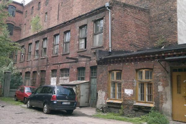 W tych budynkach przy ul. Sienkiewicza 63 mieściły się lokale użytkowe.