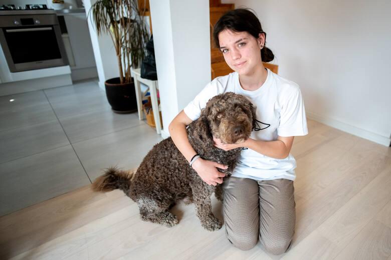 """""""Jestem Wanda. Mam 13 lat i przeżyłam już połowę swojego życia"""" - Wanda Sulewska z podpoznańskich Plewisk tak apeluje do producentów najważniejszych leków na mukowiscydozę."""