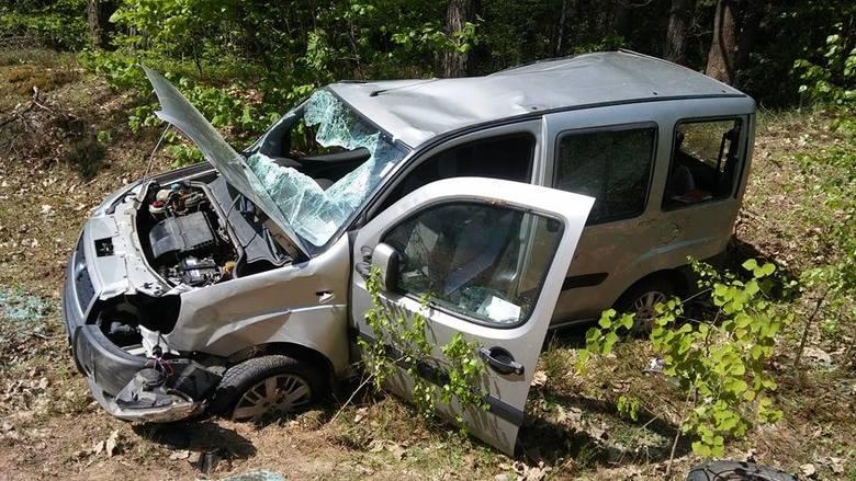 Do wypadku drogowego doszło w sobotę około godziny 10.55 w miejscowości Nietupa (gmina Krynki). Zdjęcia pochodzą ze strony: OSP Krynki