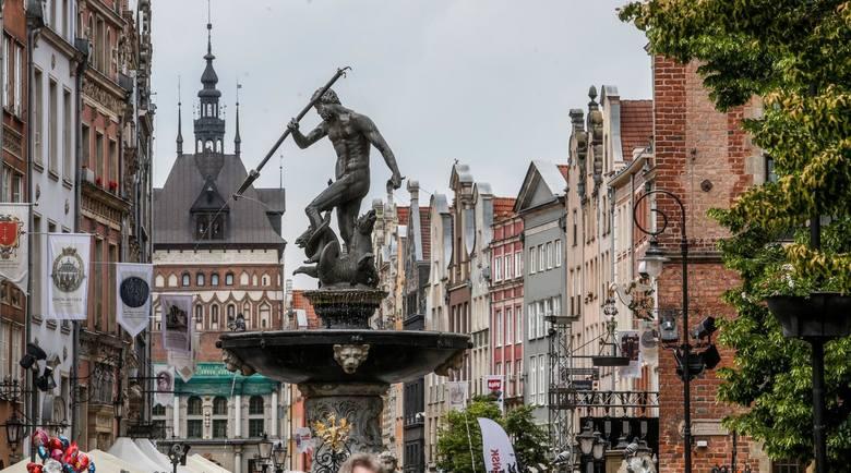 Gdańsk. Zajął wysokie, 4. miejsce w rankingu Europolis, tuż za podium, wyprzedzając m.in. Kraków i Wrocław. Gdańsk został uznany za stolicę otwartości