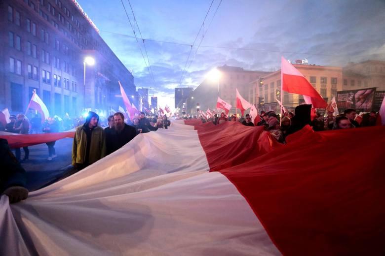 - Jak co roku zapraszamy wszystkich patriotów do Warszawy, aby wspólnie świętować tę wyjątkową rocznicę w Marszu Niepodległości- napisano.