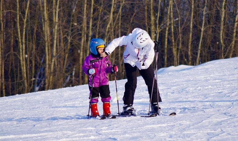 Niedługo ferie zimowe. Niektórzy mają już zaplanowany rodzinny wyjazd lub zimowisko dla dzieci, inni szukają sposobu na spędzenie czasu na ostatnią chwilę.
