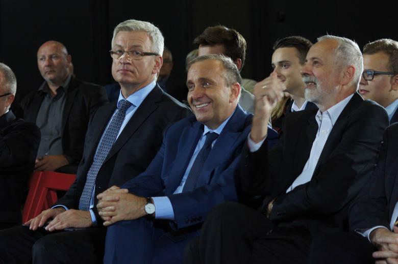 - Prezydent Jaśkowiak utrudnił nam współpracę. Zobaczymy w jaki sposób zareagują na jego słowa członkowie zarządu regionu PO, który zbierze się w sierpniu,