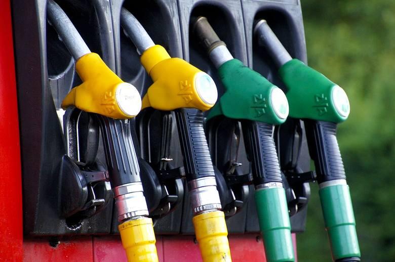Ceny paliw są niższe od tych sprzed roku