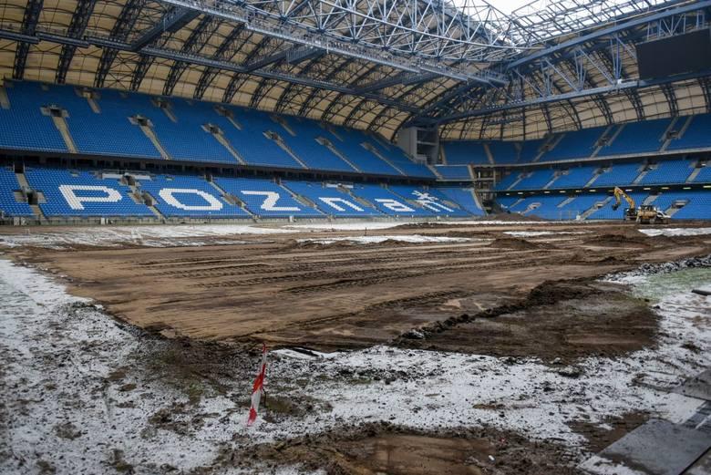 Rozpoczęła się wymiana murawy na Stadionie Miejskim w Poznaniu. Piłkarze Lecha Poznań wiosną będą grali na trawie sprowadzonej z Holandii. Zobacz, co