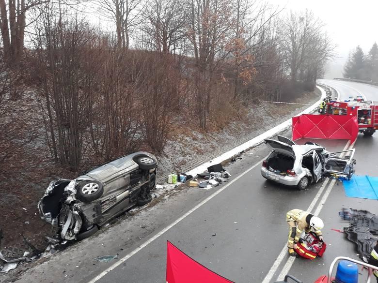 Śmiertelny wypadek w Żukowie 31.01.2019. Czołowe zderzenie na DK nr 7, dwie osoby nie żyją!