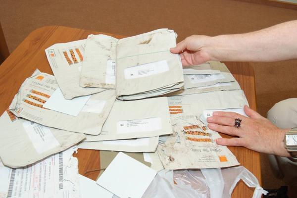 Wyrzucone faktury przyniesiono do redakcji