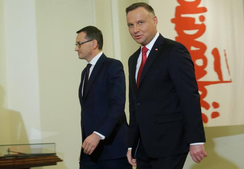 Premier Mateusz Morawiecki na wspólnej konferencji z prezydentem Andrzejem Dudą poinformowali o powstaniu Gospodarczej Tarczy Antykryzysowej.