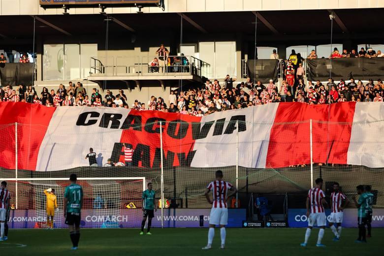 Kibice Cracovii w meczu z Legią Warszawa
