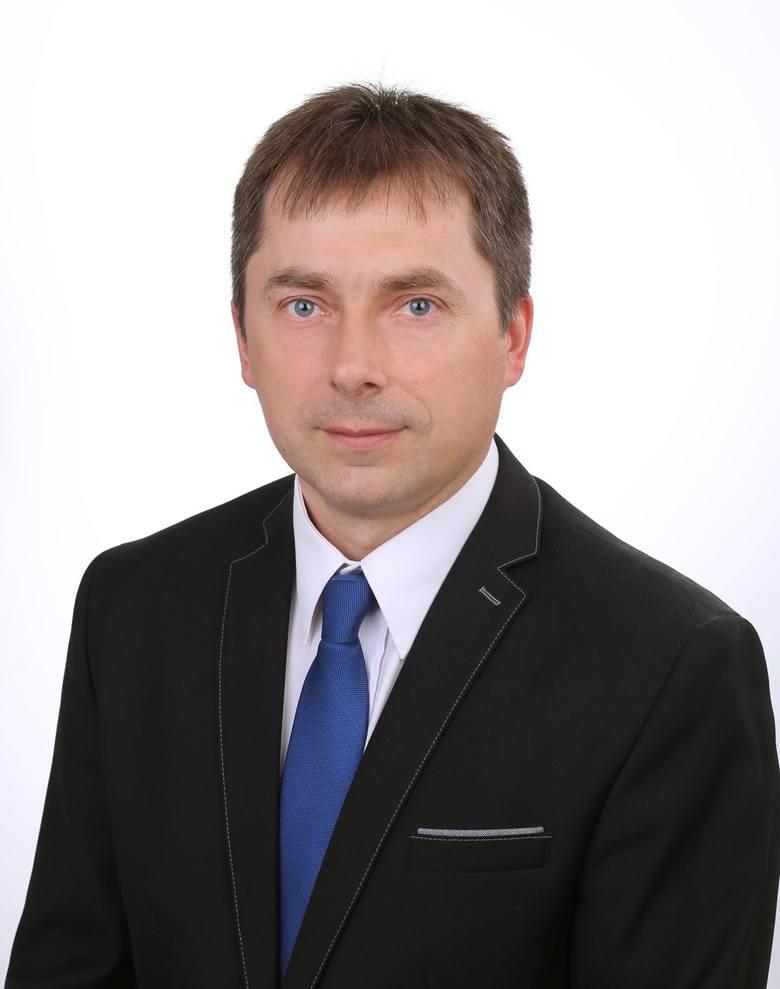 Marek Siuchno, 44 lata,  otwiera listę PiS. Startuje z okręgu nr 1
