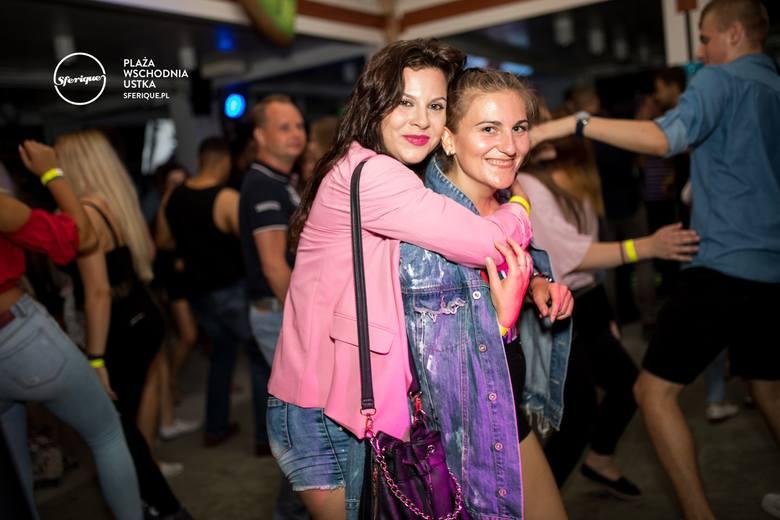 Impreza z DJ Mush & DJ Kfadrat w Sferique Beach Bar w Ustce. Zobaczcie najnowsze zdjęcia. Więcej informacji o klubie Sferique Beach Bar Ustka