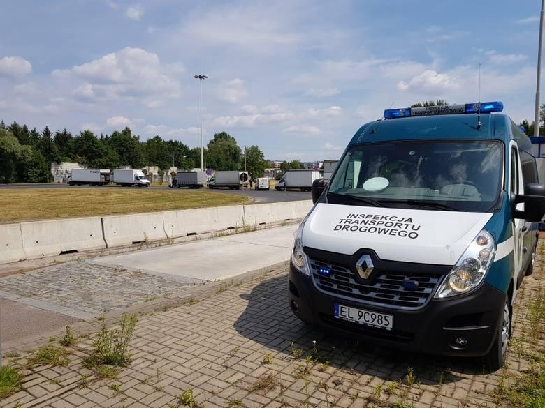 Przeładowane samochody dostawcze zostały skontrolowane przez Inspekcję Transportu Drogowego