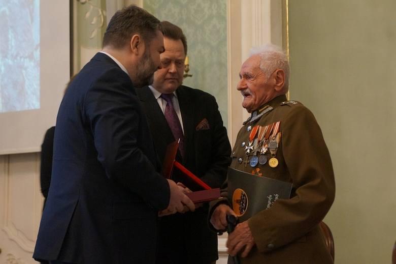 Pałac Branickich. Nadanie ryngrafów Żołnierzy Wyklętych (zdjęcia, wideo)