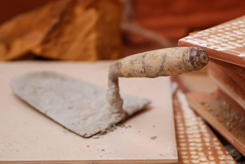 6 proc. osób poszukujących pracy zapisuje się na kursy, podczas których można zdobyć umiejętności przydatne w branży budowlanej.Źródło: Randstad/ Ko