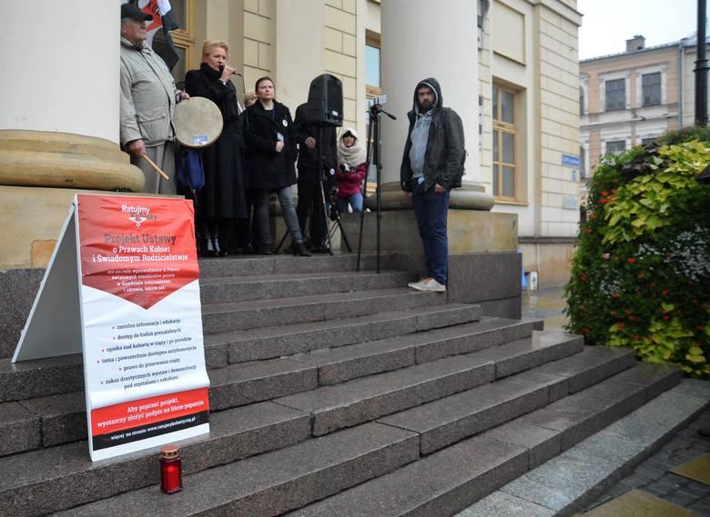 Czarny Wtorek w Lublinie. Protestowały w obronie swoich praw [ZDJĘCIA]