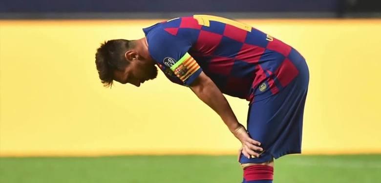 """Transfery. Messi zostaje w Barcelonie, kibice podzieleni. """"To cyrk. Posadziłbym go na ławce rezerwowych"""""""