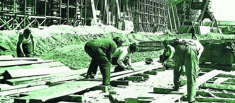 Na budowę huty w Głogowie zjechali robotnicy z całej Polski