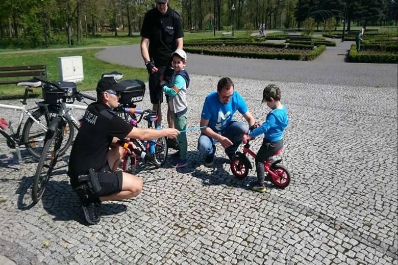 Wiosną nie tylko mieszkańcy wsiadają na rowery. Robią to również policjanci prewencji z Inowrocławia. - Patrole rowerowe poruszają się po całym mieście,
