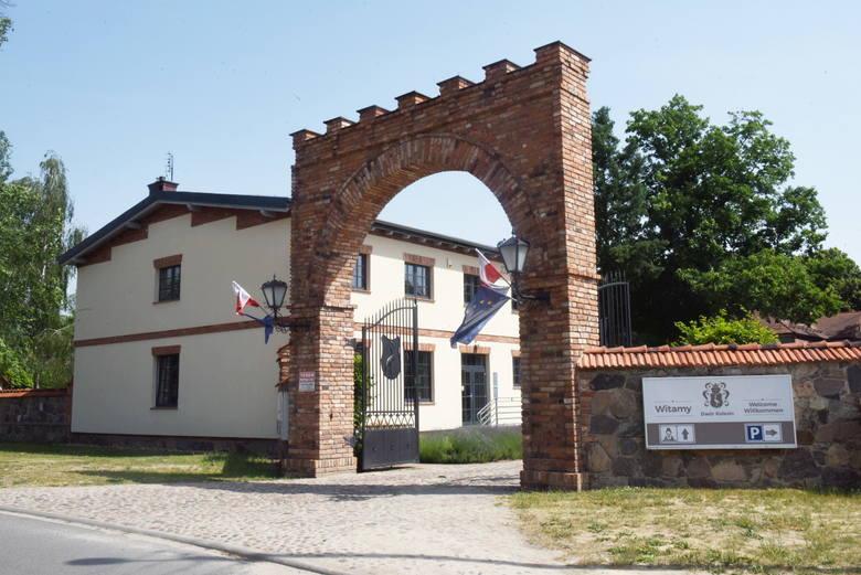 Jolanta Taberska i jej karczma oraz niezwykły dwór w Kolesinie