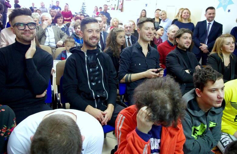 Zespół Pectus spotkał się z uczniami Zespołu Szkół Specjalnych w Tarnobrzegu podczas 12. finału akcji charytatywnej Choinka Życzeń. Nagrody odebrali