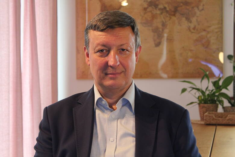 Pastor MAREK RAKOWSKI, wieloletni duchowny zborów małopolskich, obecnie sekretarz Kościoła Adwentystów Dnia Siódmego w RP. Mąż, ojciec, działacz społeczny