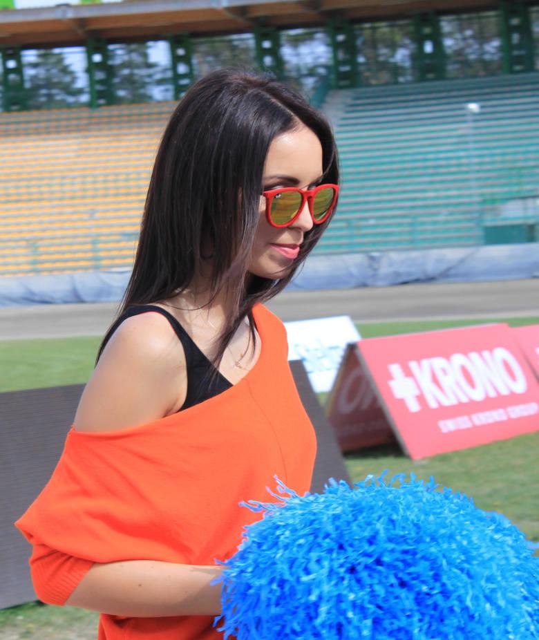 W sobotę na stadionie żużlowym w Zielonej Górze dziewczyny z grupy F16 Falubaz Girls ćwiczyły choreografię przed niedzielnym meczem SPAR Falubazu Zielona