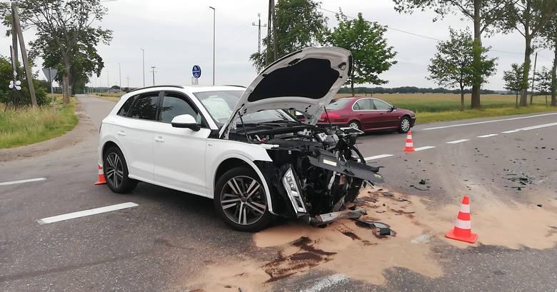 Dzisiaj (sobota 4 lipca) po godzinie 16:00 na drodze krajowej nr 21 doszło do kolizji drogowej. Udział w zdarzeniu wzięły dwa samochodny osobowe. Na