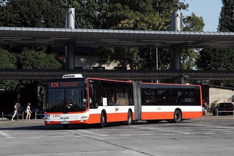 """Studencka Limuzyna na Dworcu Autobusowym """"Europa"""" w Tarnowskich Górach."""