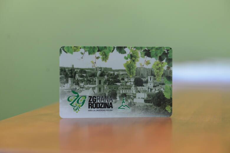 """Program ZGrana Rodzina organizuje akcję """"Dbamy o mamy"""", w ramach której w mieście powstanie 10 miejsc do przewijania i karmienia d"""