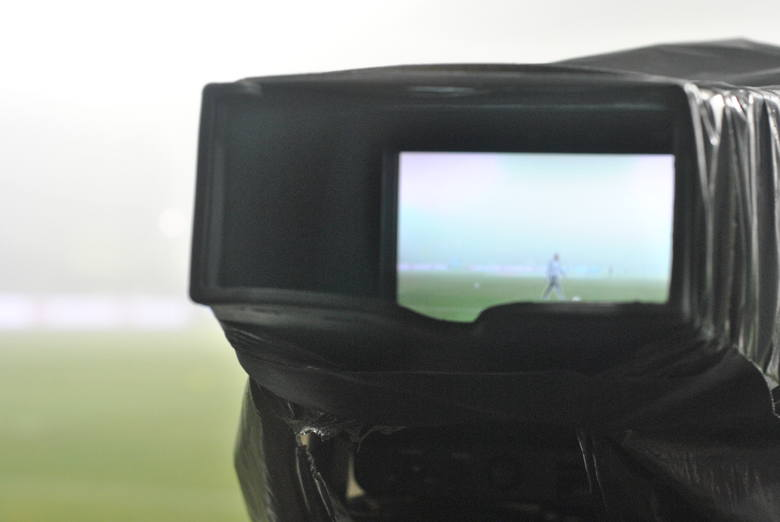 Polscy kibice za darmo nie będą mogli oglądać Euro 2016 w telewizji, bowiem wszystkie mecze można obejrzeć jedynie na kanałach premium Polsat Sport 2